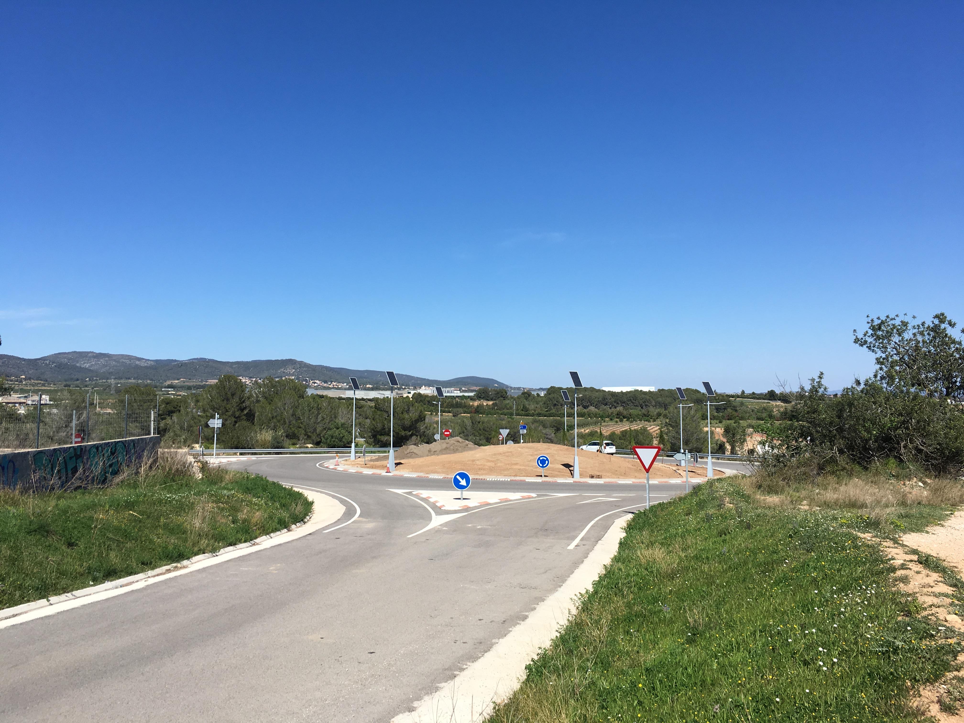 La Generalitat duu a terme accions paisatgístiques en la rotonda de La Miralba