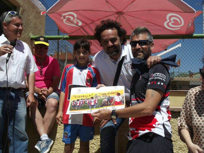 El passat cap de setmana es va fer el sorteig de la Cistella Solidària de la Joventut Bisbalenca i 'Smiles for children'