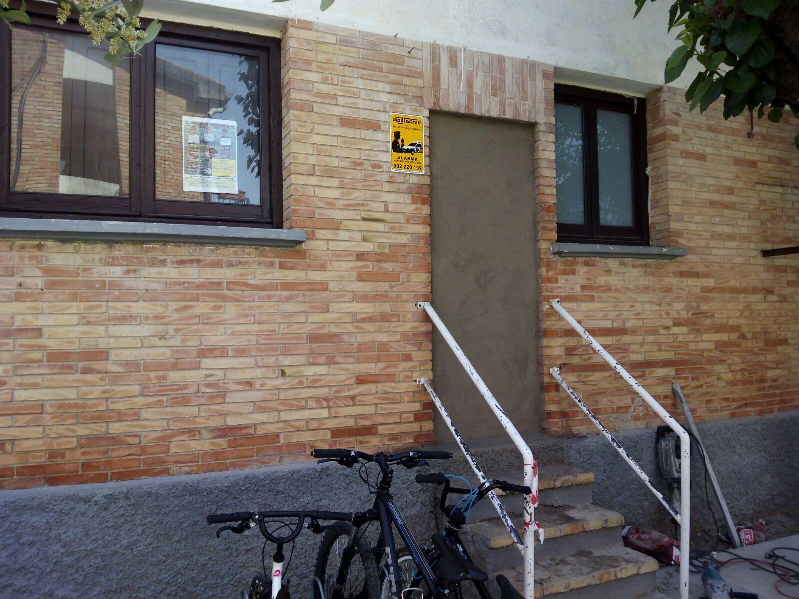 S'han tapiat els accessos i s'han retirat les escales de 'les cases dels mestres'