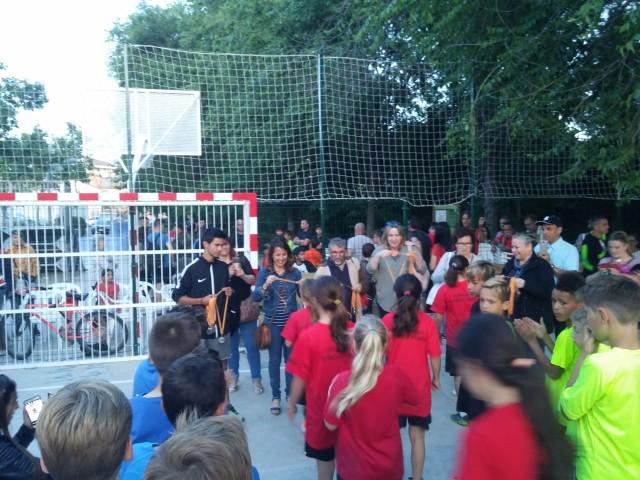 L'equip 'Football boys' va guanyar dissabte el torneig inaugural de la pista de futbol