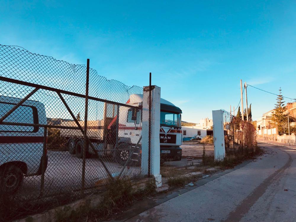 Aquest dilluns 13 de novembre han començat les obres del pàrquing d'autobusos de l'IES