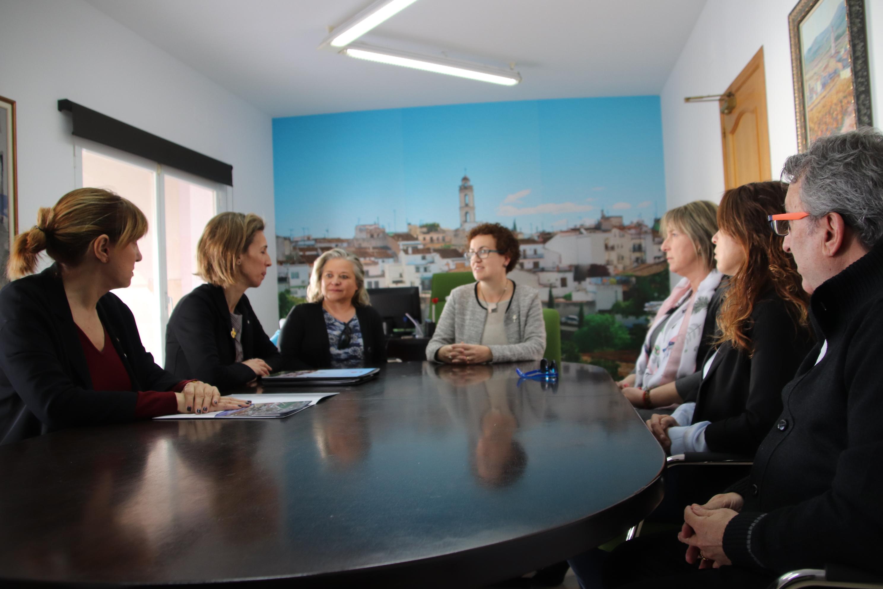 La Directora General d'Indústria de la Generalitat de Catalunya ha visitat aquest dijous l'Ajuntament i els polígons industrials de la Bisbal