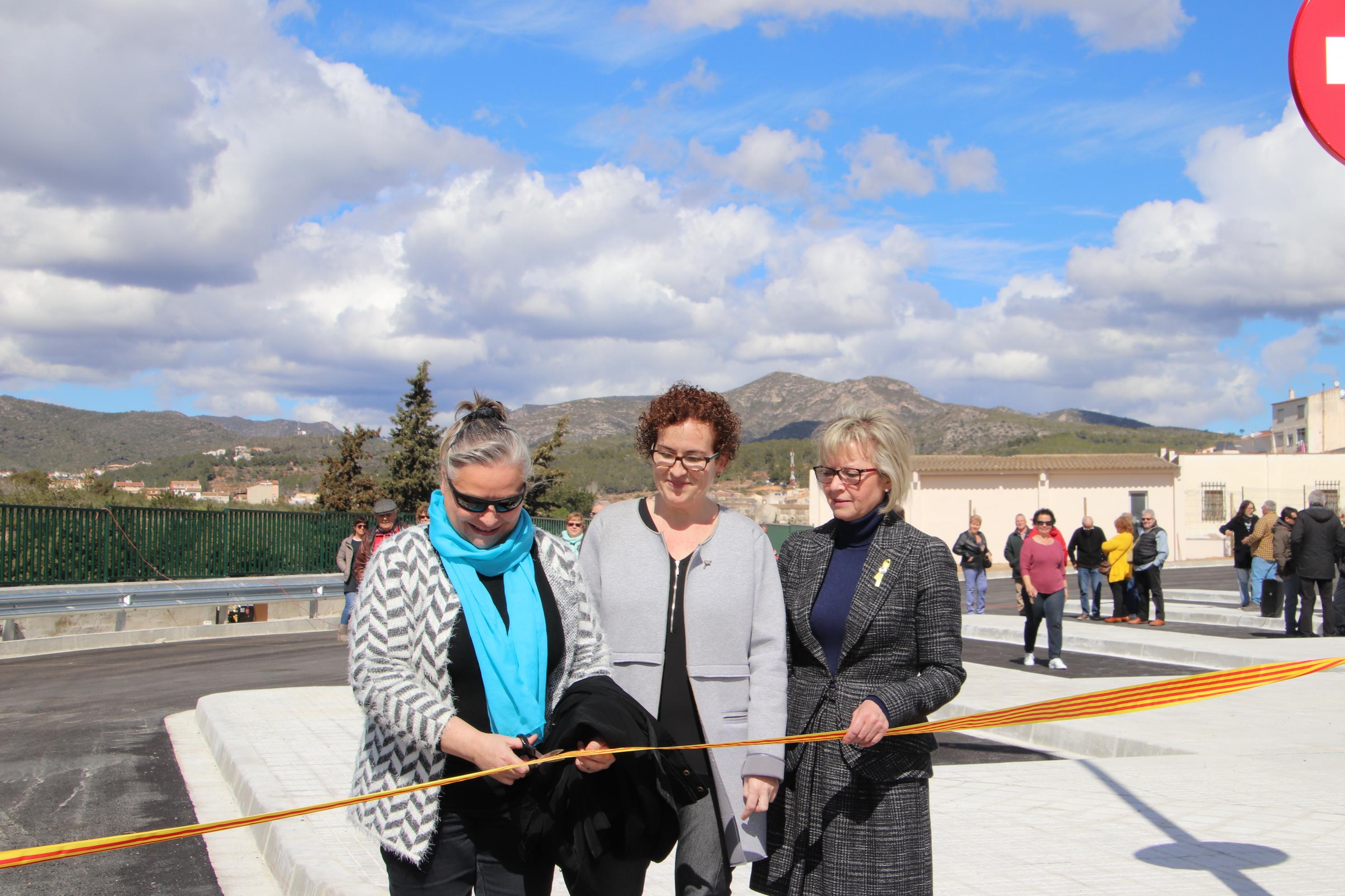 L'Ajuntament de la Bisbal del Penedès ha inaugurat aquest divendres 16 de març l'aparcament d'autocars