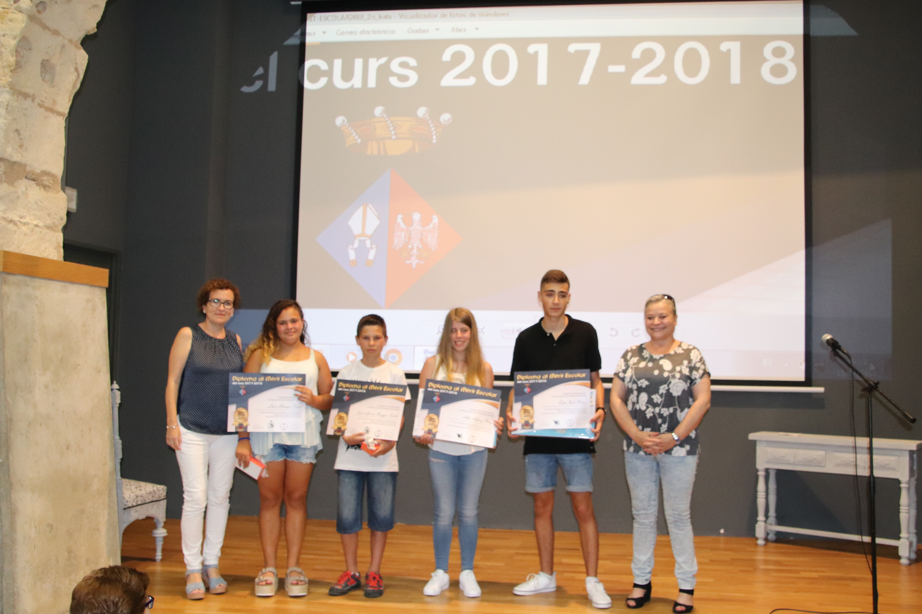 Quatre alumnes bisbalencs han rebut el Premi al Mèrit Escolar aquest dimecres 11 de juliol