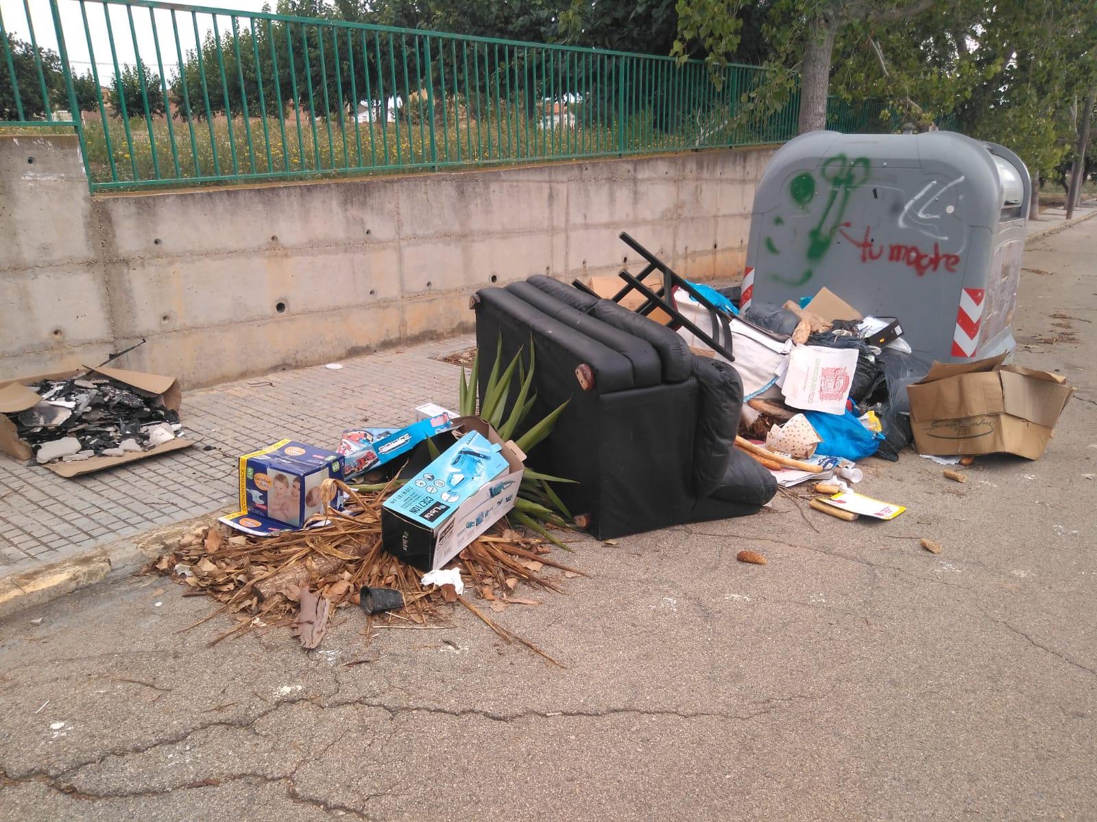 L'incivisme i el mal ús dels contenidors els paguem entre tots