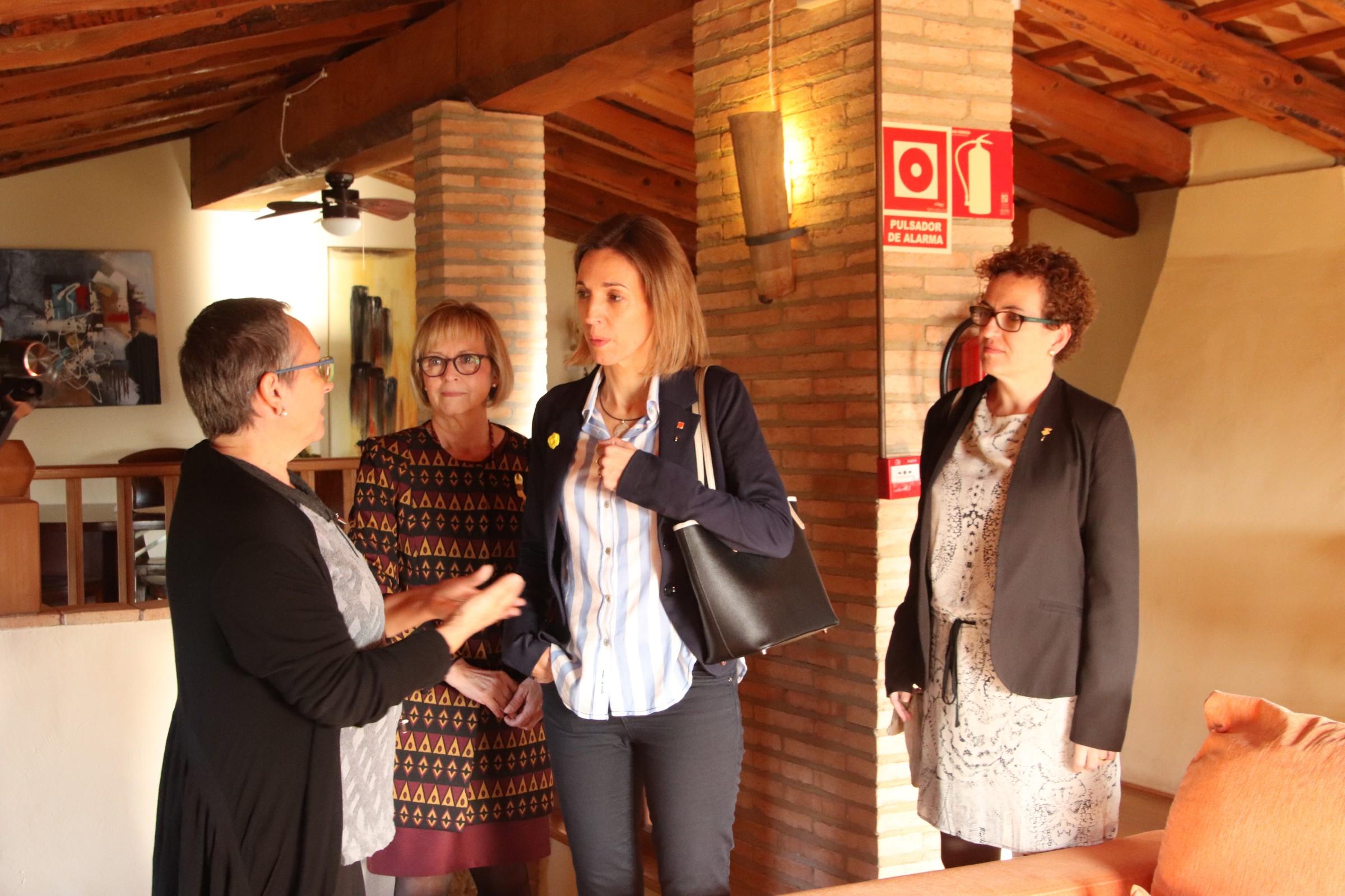 La Consellera d'Empresa i Coneixement ha visitat la Bisbal del Penedès aquest divendres 26 d'octubre
