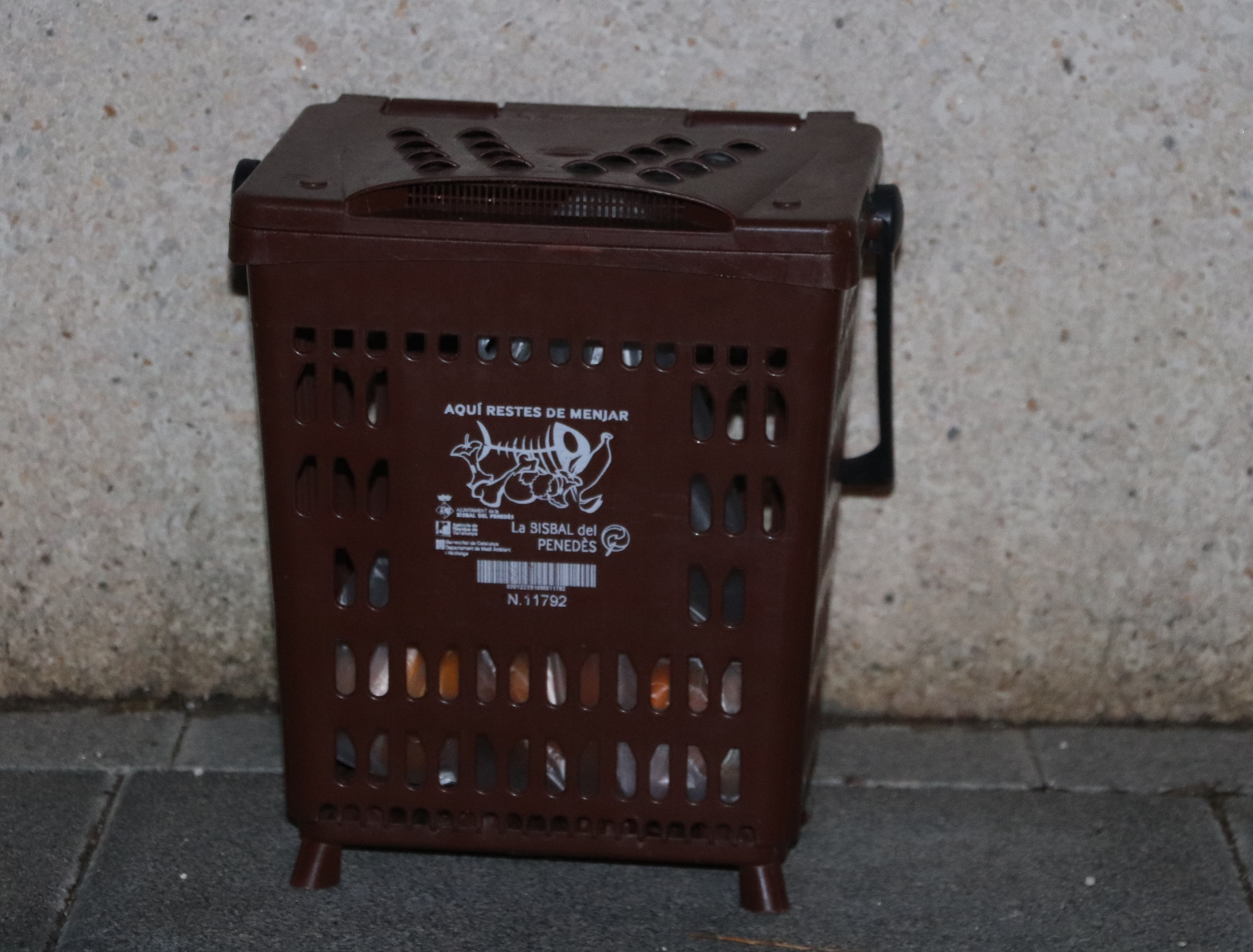 La Regidoria de Medi Ambient inicia una campanya per controlar el sistema de recollida d'escombraries porta a porta