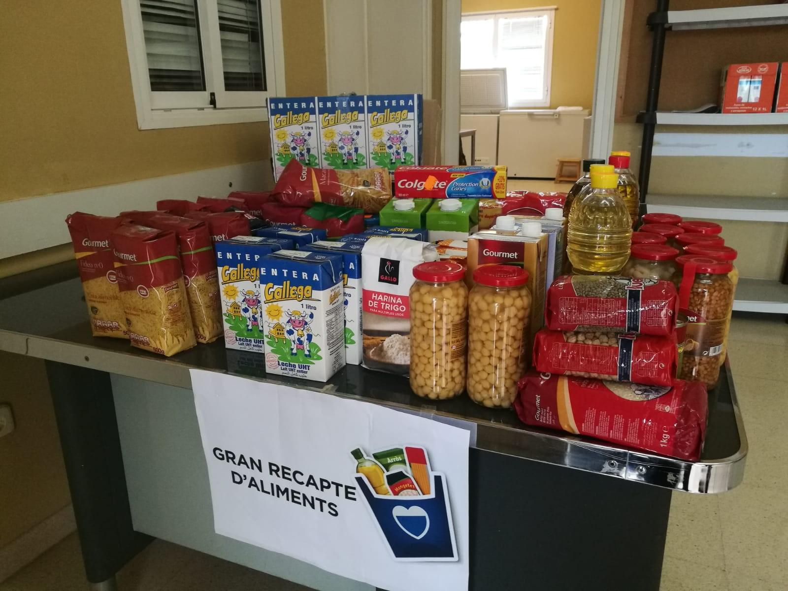 La Bisbal és solidària! Gràcies a tots els que vau donar aliments per als qui més els necessiten durant el Gran Recapte
