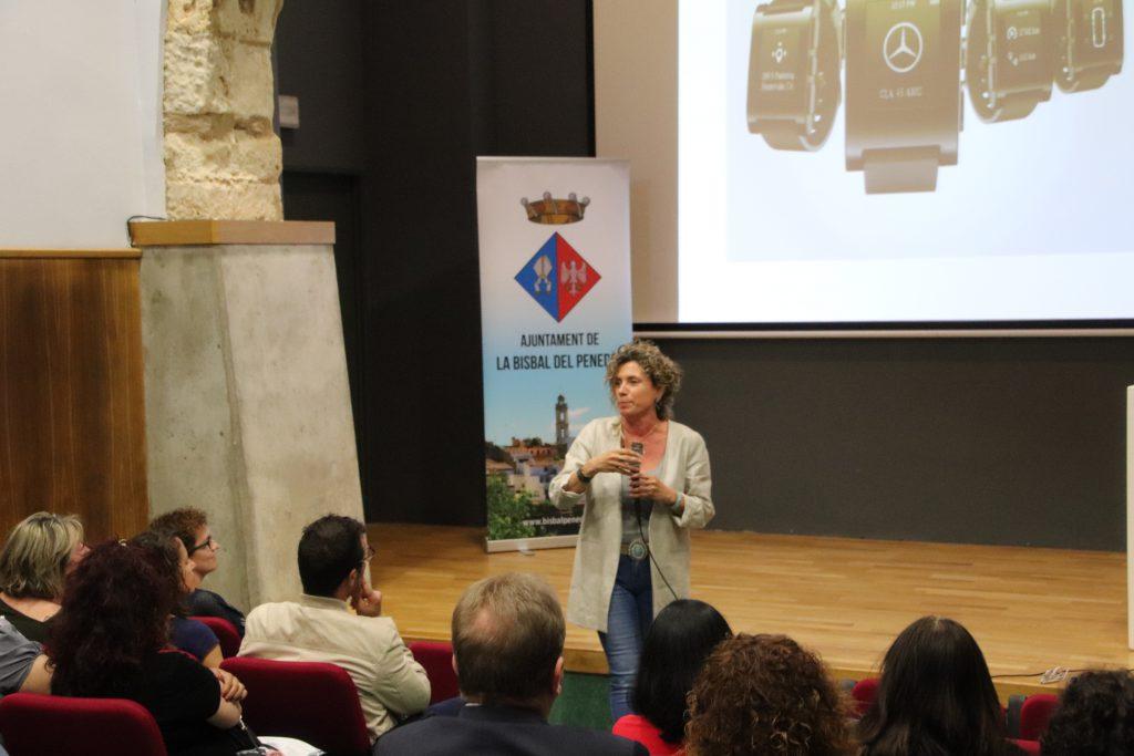 Fotografia de la conferenciant Maria Batet realitzada durant la 1ª Setmana de l'Empresa i l'Ocupació