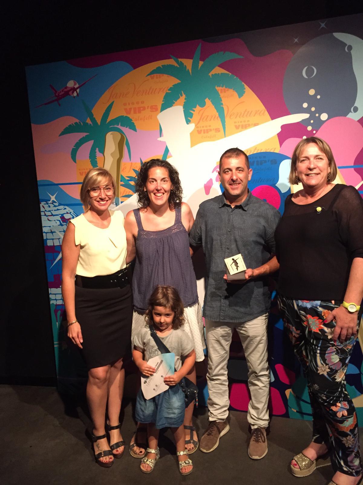 Oli Torclum rep el Premi de Creativitat Comarcal dels Premis 2019 Vip's Calafell