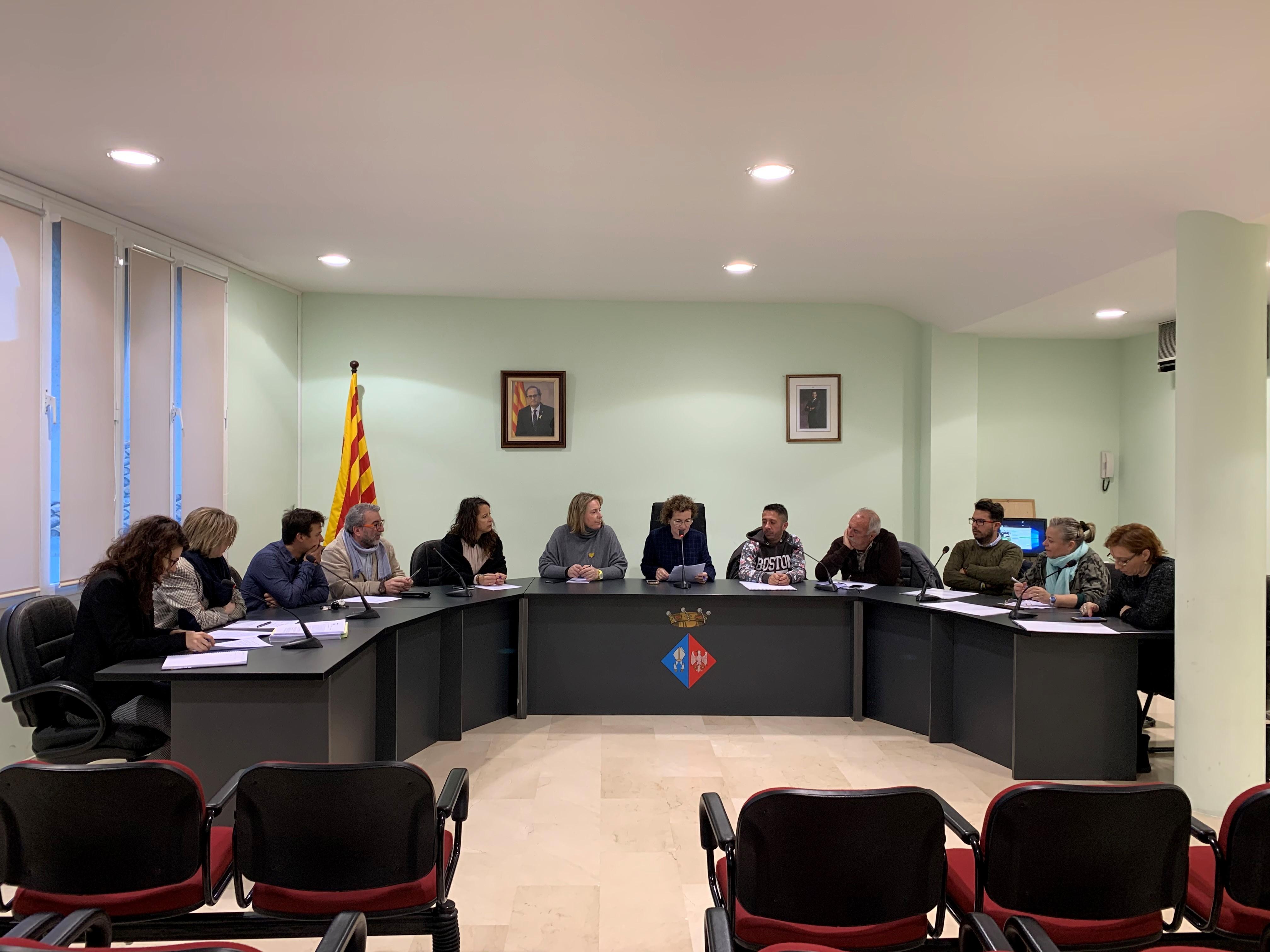 El Ple ha aprovat per unanimitat la no acceptació de la modificació de tarifes del servei d'abastament d'aigua potable proposada per Aqualia
