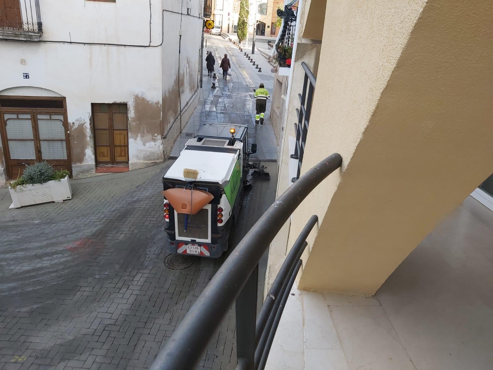 Comença una prova pilot per avaluar les necessitats reals de neteja i desbrossament de carrers del municipi