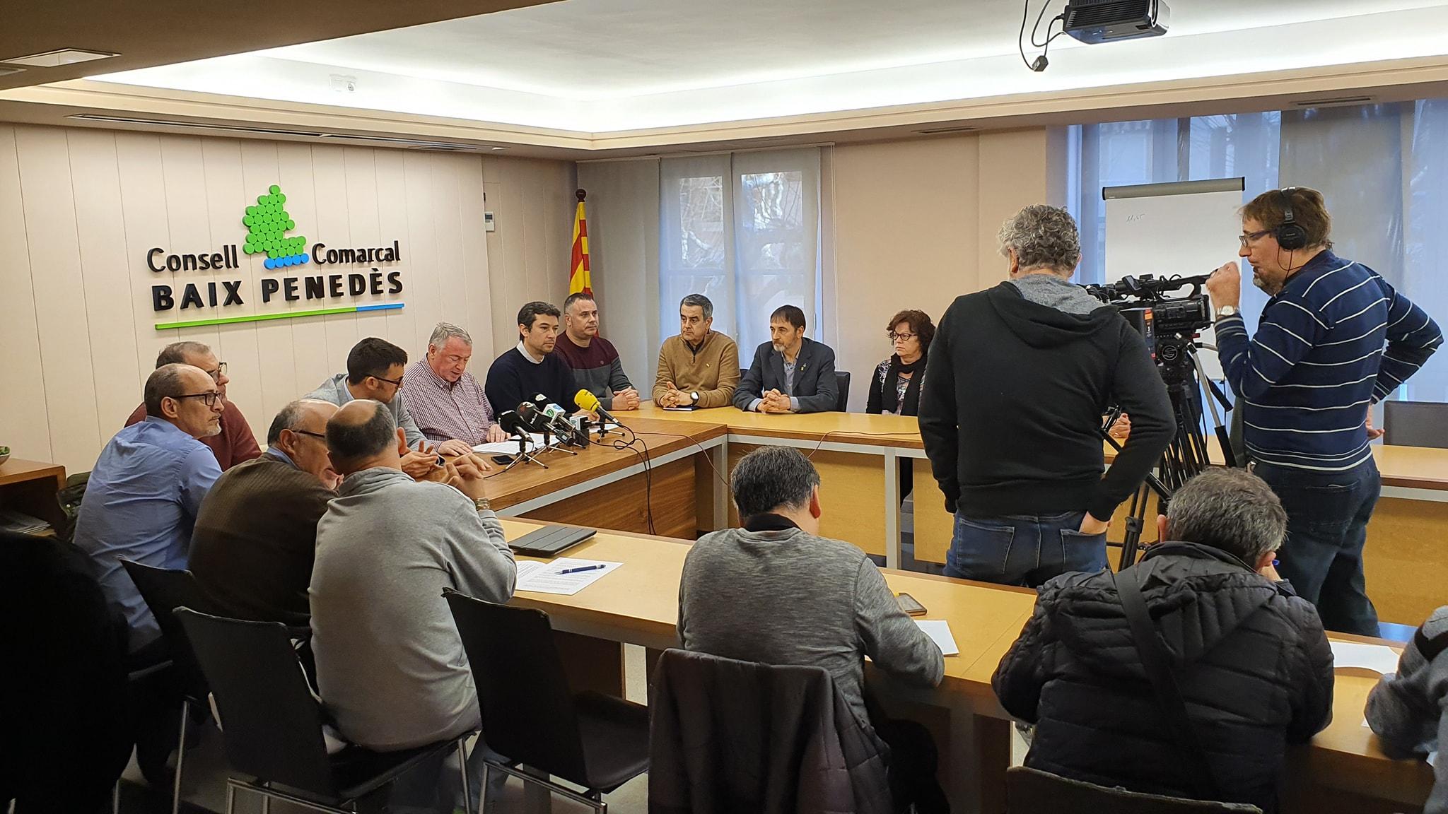Els alcaldes i les alcaldesses del Baix Penedès reclamen a la Generalitat que esmeni la proposta del pressupost 2020