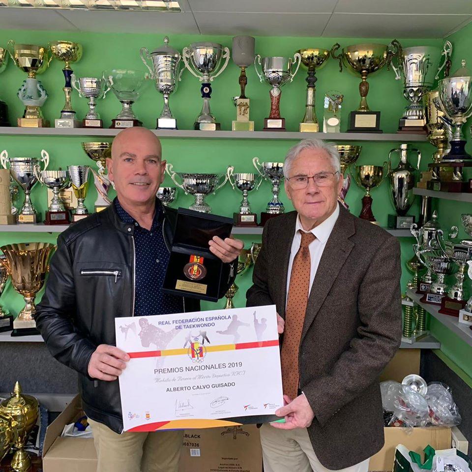 El bisbalenc Albert Calvo ha rebut la medalla de bronze al mèrit esportiu