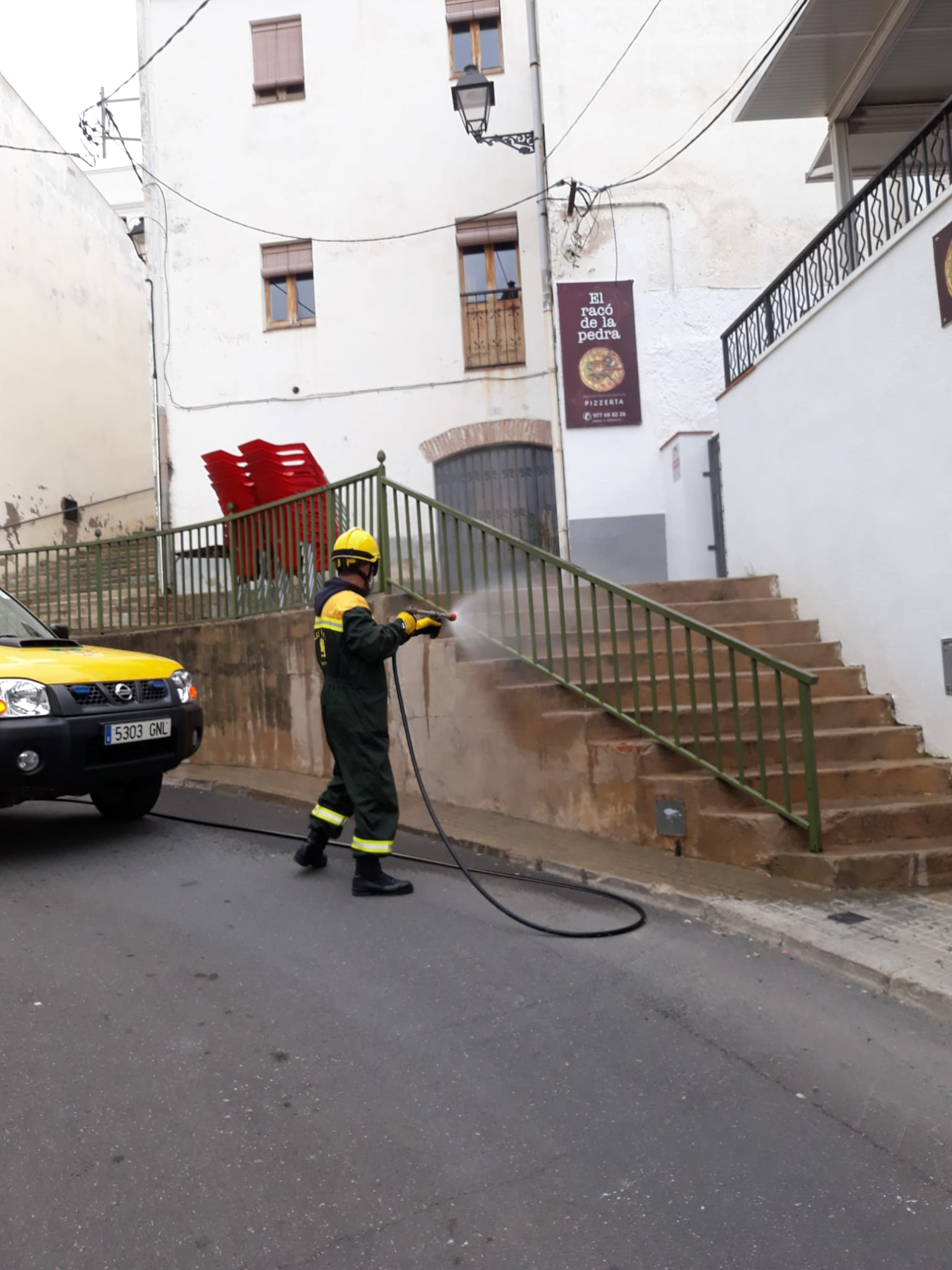 Continuen els treballs de desinfecció a càrrec de l'ADF Clot de Bou
