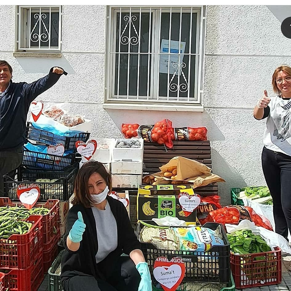 """El Rebost Solidari rep una donació de 600kg d'aliment fresc per part de la iniciativa solidària """"Suma't"""""""