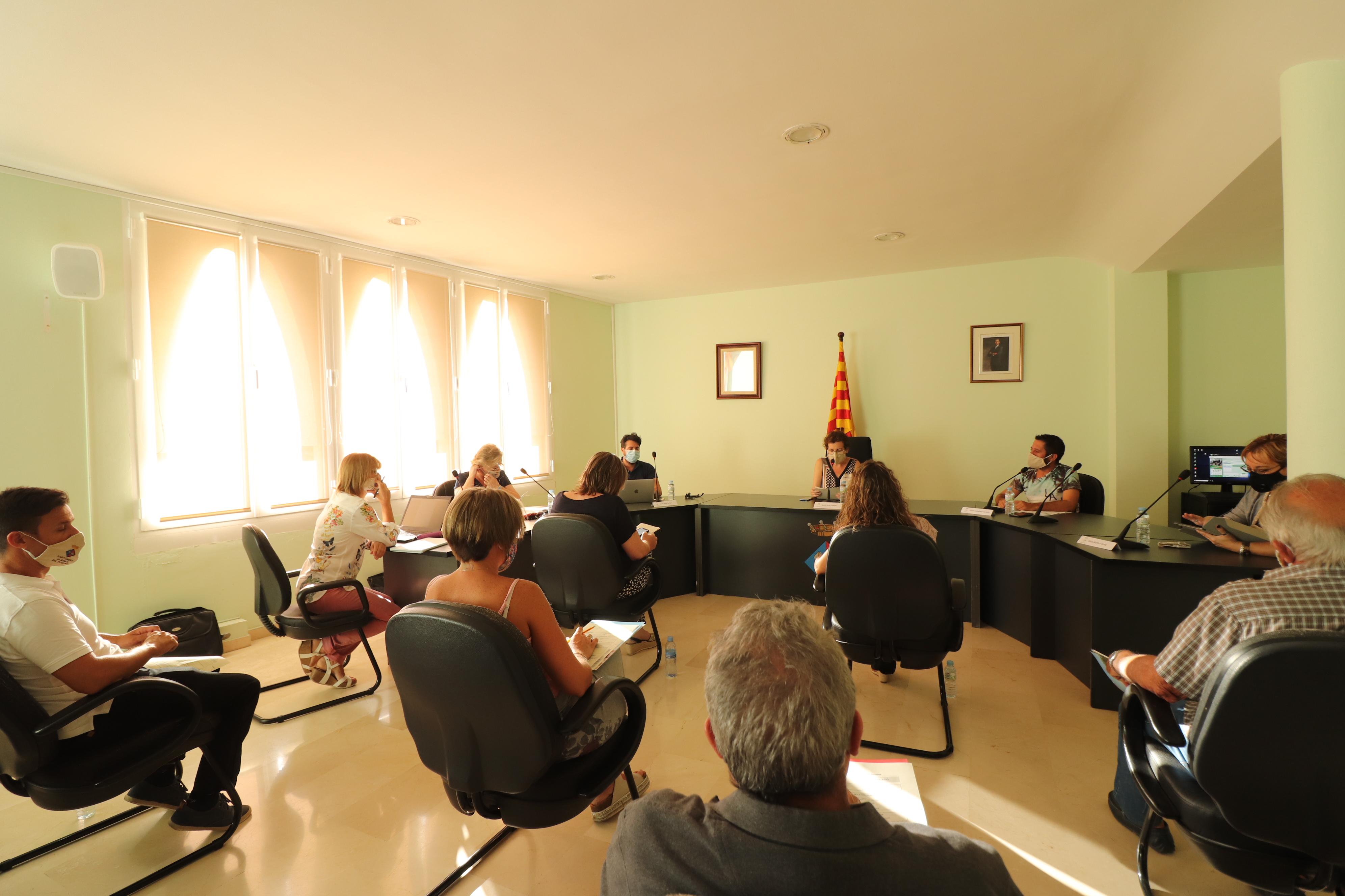 Aquest dimarts 4 d'agost s'ha celebrat un Ple extraordinari i urgent a l'Ajuntament de la Bisbal del Penedès