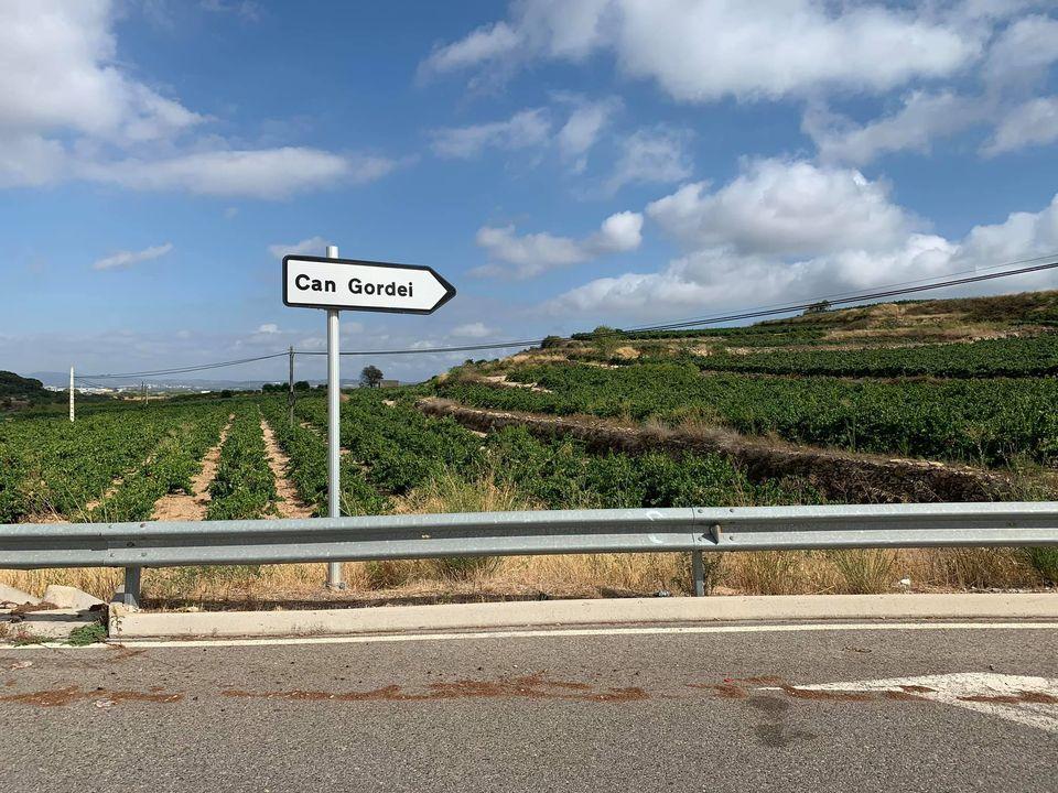 S'aprova un contracte per arranjar l'asfalt del carrer Segre de Can Gordei