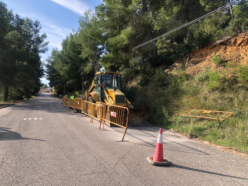 Comencen les obres d'arranjament de l'asfaltat del carrer Segre de Can Gordei