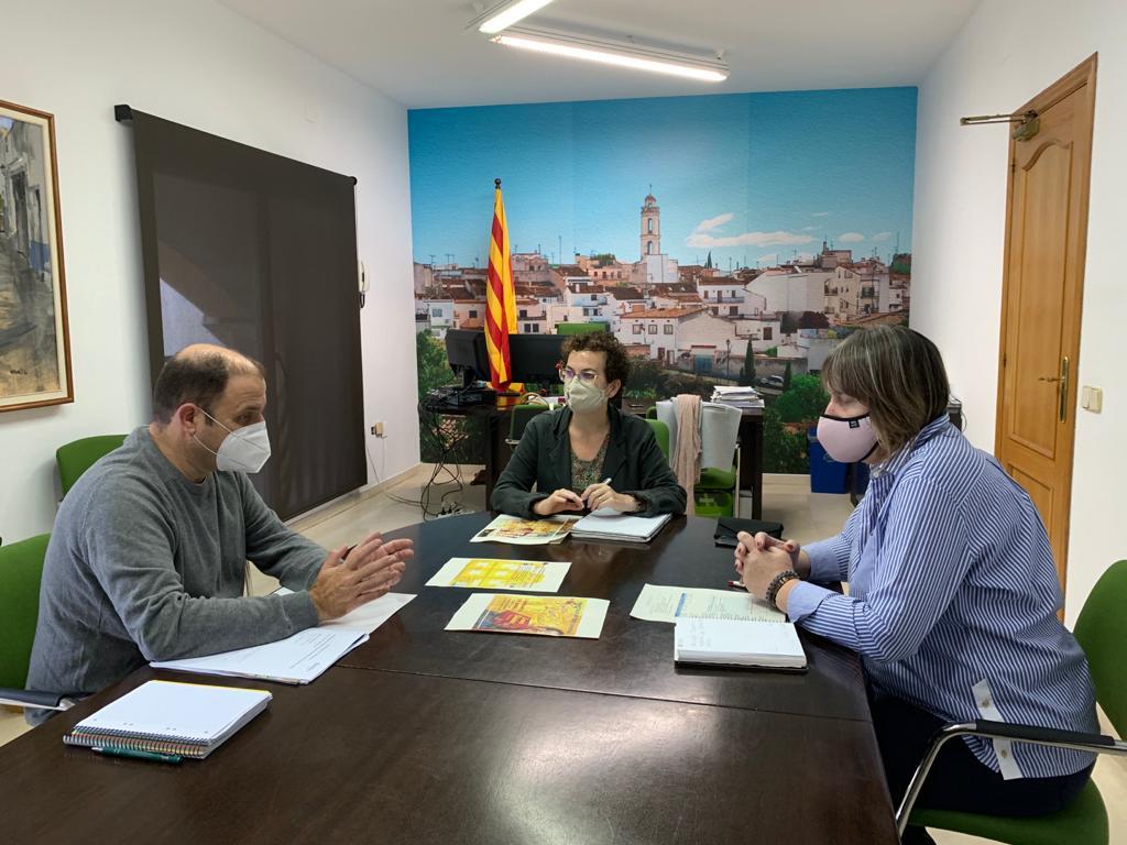 L'Ajuntament i la Cambra de Comerç de Tarragona estan treballant per dur a terme diverses accions de formació i dinamització adreçades al teixit econòmic al municipi