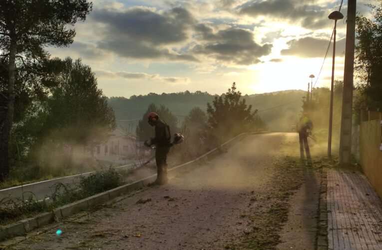 Durant les pròximes setmanes es desbrossaran les voreres de Can Gordei i l'Esplai