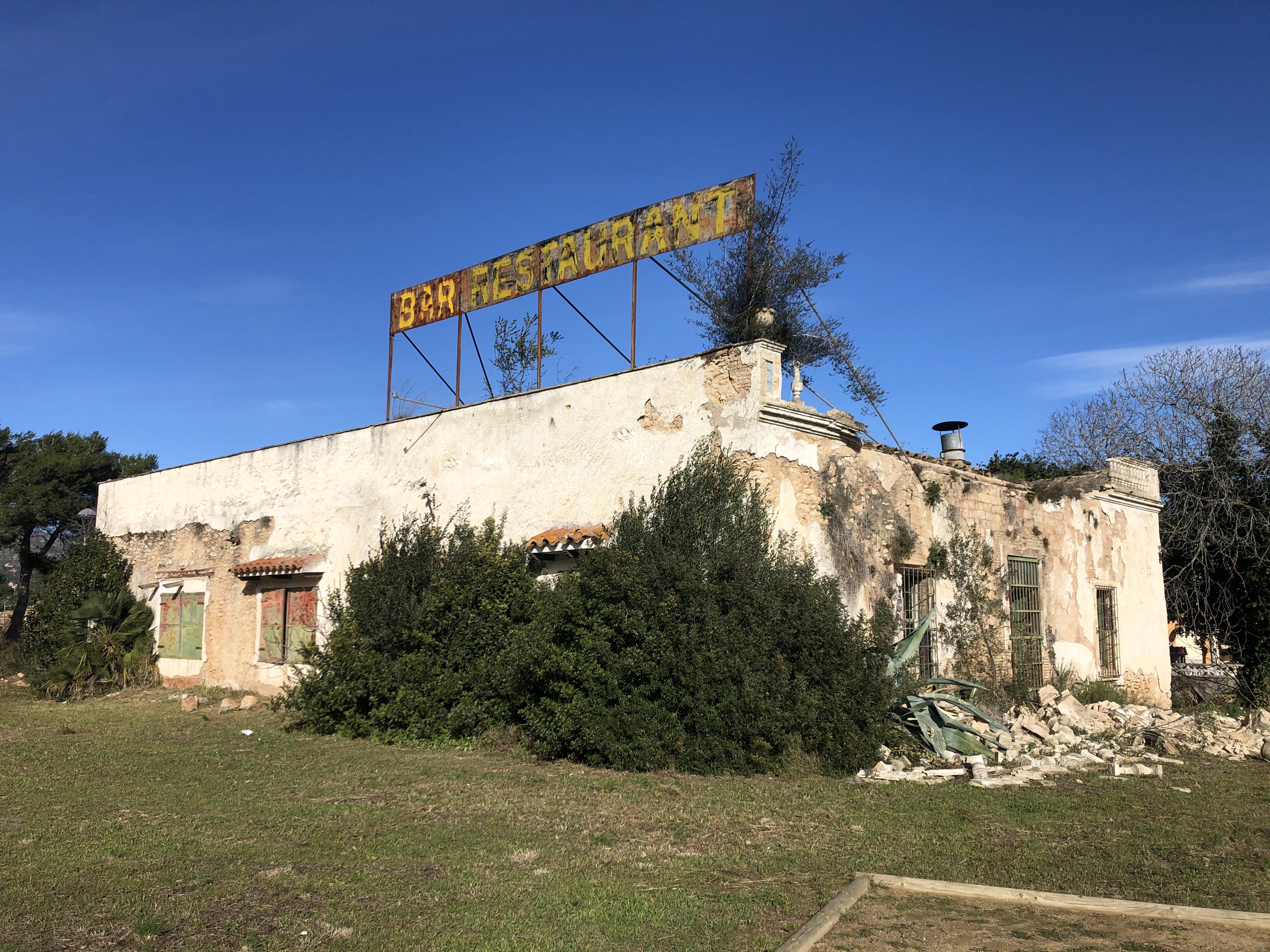 S'ha aprovat un contracte menor per enderrocar la masia de La Miralba