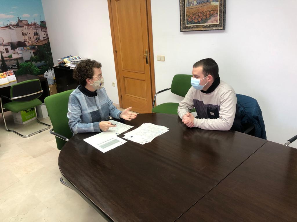 L'Ajuntament de la Bisbal del Penedès contracta un jove en pràctiques en el marc del programa de Garantia Juvenil