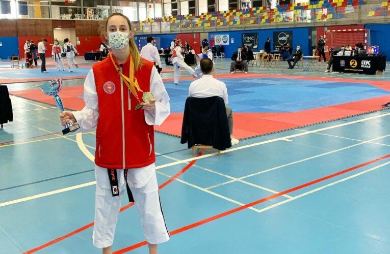 La bisbalenca Gloria Ruiz es proclama campiona al Campionat de Catalunya sènior de taekwondo