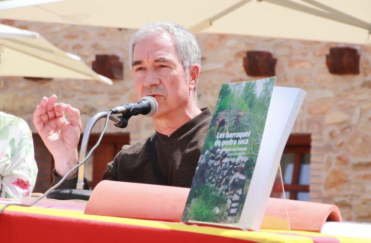 """Aquest dissabte s'ha presentat el llibre """"Les barraques de pedra seca de la Bisbal del Penedès"""" – Part 1 OEST del bisbalenc Jaume Miró i Banach"""