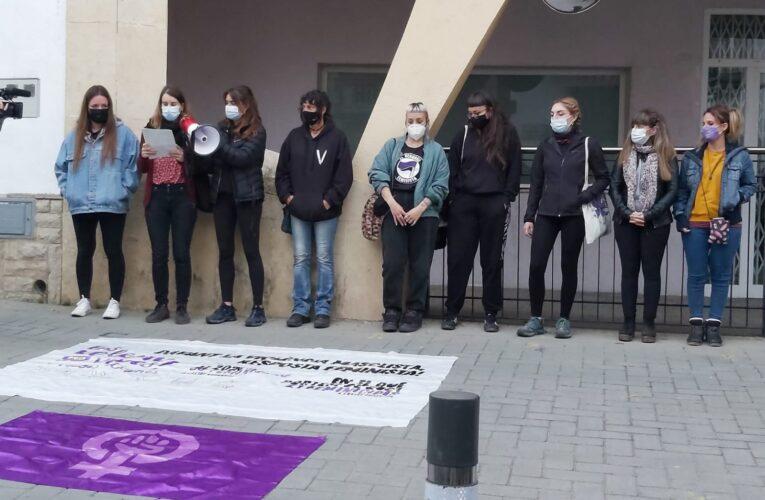 Avui ha tingut lloc una nova concentració de rebuig pel feminicidi de la veïna de Can Gordei