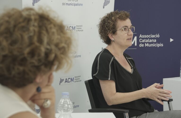 L'alcaldessa Agnès Ferré ha participat aquest dilluns en el debat municipalista organitzat per l'ACM
