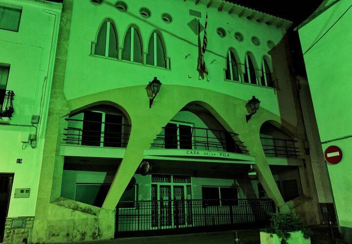 L'Ajuntament de la Bisbal del Penedès s'il·luminarà de verd aquest dissabte al vespre amb motiu del Dia Mundial del Medi Ambient