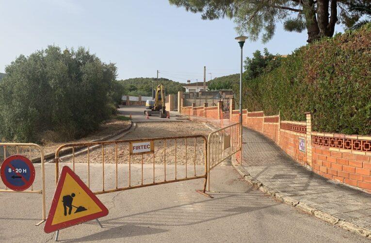 Aquesta setmana finalitzen els treballs d'arranjament de l'asfalt del carrer Periquito Canor del Papagai