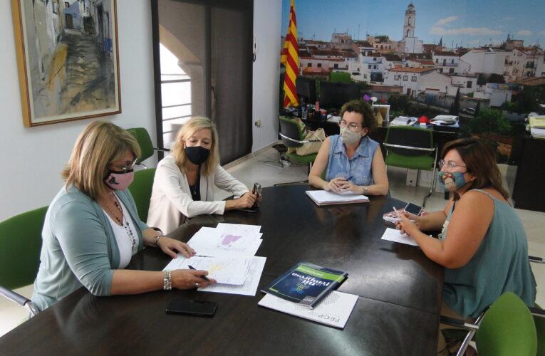 L'alcaldessa Agnès Ferré i la tècnica d'Ocupació es van reunir amb la Federació Empresarial del Gran Penedès el passat divendres 23 de juliol