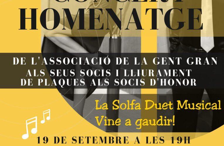 Concert amb La Solfa Duet Musical com a homenatge a les persones grans i lliurament de plaques als socis d'honor de l'Associació de la Gent Gran